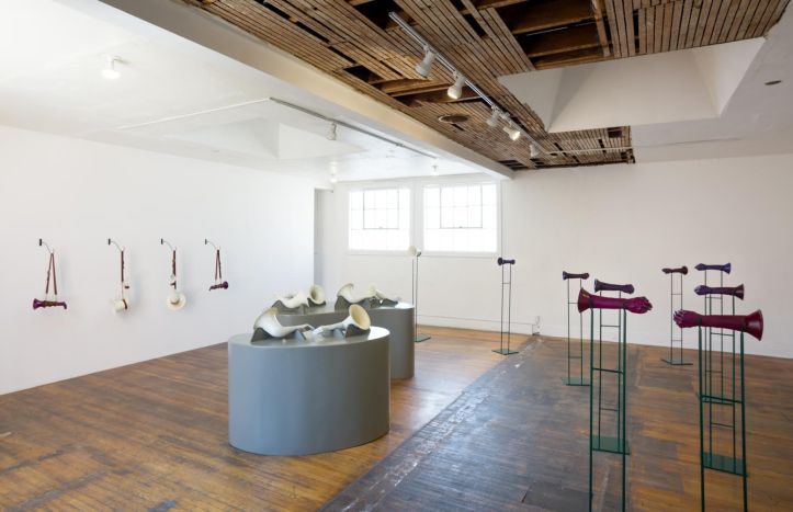 Elana Mann, The Assonant Armory, 2016, installation view. Courtesy the artist and Commonwealth and Council. Photo Ruben Diaz