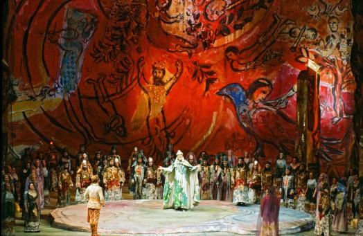 Marc Chagall, The Magic Flute, February 1967, Metropolitan Opera, New York, © 2017 Artists Rights Society (ARS), New York/ADAGP, Paris, photo: Frank Dunand/Metropolitan Opera Archives