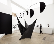 Installation view, 'Calder: Nonspace', Hauser & Wirth Los Angeles, 2018 © 2018 Calder Foundation, New York / Artists Rights Society (ARS), New York Photo Courtesy of Calder Foundation New York / Art Resource, New York and Hauser & Wirth Photo: Fredrik Nilsen