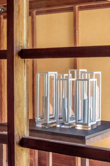 Letters de Londres: Sur l'Optique de Mr Newton, 2016 porcelain vessels and 7 silver pieces in 7 aluminum and plexiglass vitrines Overall dimensions variable © MAK Center / Joshua White