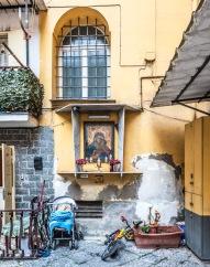 Lamia Khorshid, Edicola sacra e bici; Image courtesy of the artist
